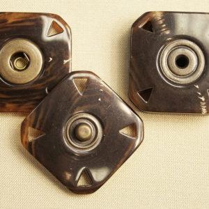 Кнопка пришивная 20482